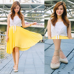 Jannelle O. - Apartment 8 Pleated Skirt, Topshop Top - Sunshine