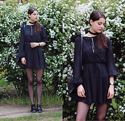 Nora Aradi - Mango Black Dress, Front Row Shop Bag, Pull & Bear Flats, Daniel Wellington Watch - Roses