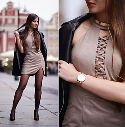 Ariadna M. - Beige Suede Dress, Black Coat - Suede dress
