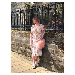Yasmin Robinson - Primark Floral Dress, River Island Fluffy Bag, Primark Knot Trainers - Pretty in Pink ?