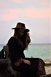 Maia Francx - Pull & Bear Felt Hat, Odette Lunette Glasses, Springfield Dress - As The Sun Goes Down