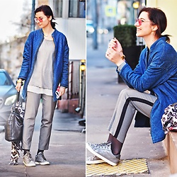 Natasha Karpova - Mustang Denim Bomber, Graceland Metallic Sneakers, Tally Weijl Grey Trousers, Koton Bag, H&M Earrings, Concept Club Aviators, C&A Pullover - Light Sport Chic