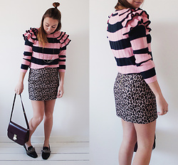 Magna G. - Stripes & Ruffles - Striped ruffle sweater look 4