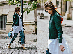 Andreea Birsan - Green Leather Jacket, Pearl Step Hem Mom Jeans, Borsa A Mano Cobalt Blue Saffiano Lux Bag, Beige Suede Mules, White Waterfall Shirt, Blue Square Sunglasses - The statement shirt