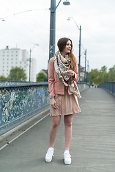 Andrea Funk / andysparkles.de - K Swiss Plateau Sneakers, Vila Dress - All Pink with K-Swiss Sneakers