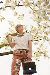 Olivia B. - Zara Bag, Zara Floral Pants, Tory Burch Necklace - Floral Pants
