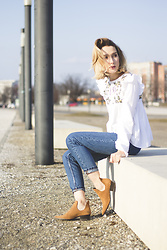 Olga Oktawia - Zara Shirt, Vintage Mom Jeans, Zara Boots - S is for spring