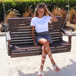 Lauren Recchia - Splendid White Tee, Chan Luu Skirt, Elina Linardaki Lace Up Sandals - Leather Ever After