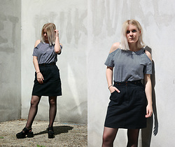 Manon Dijkhuizen - Vintage Denim Skirt, Vagabond Sandals - Vintage Denim Skirt