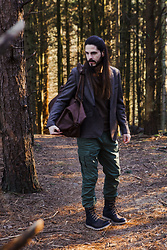 Maik - Antony Morato Blazer, G Star Raw Cargopants, Sorel Boots, Buckle & Seam Bag - Into the woods