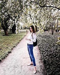 Alicja Szczepanska - Zara Blue Jeans, Shein White Checked Shirt, Forever 21 Nude Flats, Forever 21 Black Backpack - MAGNOLIA