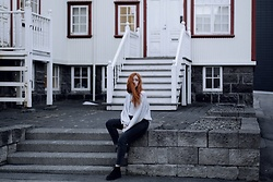 Karole Josefa Bonnet - Bershka Sweat, Bershka Jean, Asos Boots - From Reykjavik with love
