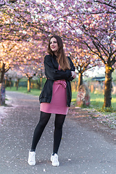 Andrea Funk / andysparkles.de - Justfab Dress, Monki Bomber Jacket - Pink Bow Dress
