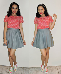 Lídia Rayanne - C&A Blouse, C&A Pleated Skirt, Keds Sneaker - Mr. Sandman, bring me a dream
