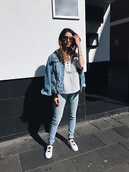 Eraclia Skoufari - Forever 21 Shirt, Cheap Monday Jeans, Ray Ban Sunglasses, Tommy Hilfiger Sneakers - Denim fever