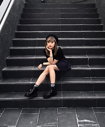Chiemi Ito - Unif Boots, H&M Bodysuit, H&M Skirt - Black and simple
