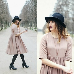 Mackenzie S - Topshop Black Wool Fedora, Splendor And Stone Crystal Necklace, Dsw Chelsea Boots, Studio 18 Taupe Dress - Twirling Through the Jardin des Tuileries