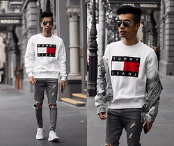Austin Levine - Tommy Hilfiger Sweater - TOMMY | Instagram: @officialtinno