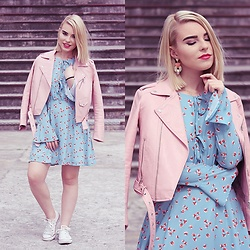 Carina Gonçalves - Zara Jacket, Vipme Dress, Converse Sneakers - Difficult roads often lead to beautiful destinations