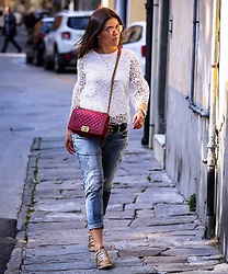 Georgina Moreno - Silver Jeans - Walking around in Pisa