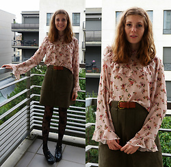 Laurielle Haze - Zaful Floral Blouse, Zaful Khaki Suede Kirt - Time Is The Enemy