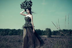 "Sharon Boucquez - Haute Gothure Corset, Haute Gothure Skirt, Haute Gothure Headdress - Collection ""Fight like a Warrior"" 