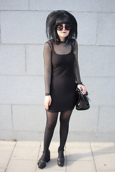Panda . - Quay Sunglasses, Topshop Dress, Karen Millen Bag - TG4M