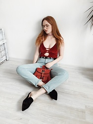 Kristina Magdalina - Rosegal Choker, Rosegal Velvet Swimsuit, Zaful Backpack, Zaful Belt, Zaful Mule - RED ACCENT.