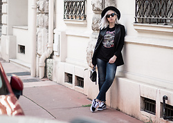Jessica G - Vans Old Skoll, Saint Laurent Bag, Zara Hat - Iron Maiden // About-a-Girl.com