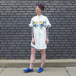 Jessie Bee - Akira Yellow Aviators, Metisu Floral Dress, Topshop Blue Suede Oxfords - The Floral Dress