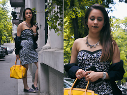 Linda Pavlovic - Tommy Hilfiger Espadrille, Nafnaf Dress, Zara Blazer, Coccinelle Yellow Bag - Summer is coming