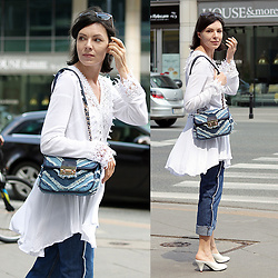 Minimalissmo .. - Zaful Lace Blouse, Zaful Jeans With Side Stripe - City, summer and lace