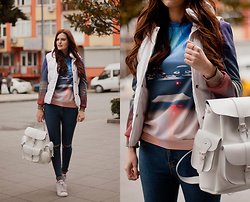 Viktoriya Sener - Mr Gugu Sweatshirt, Grafea Backpack - COZY SUNDAY