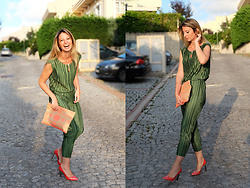 Burcu Arkut - Sammydress Top And Bottom, Zara Bag - Green and Salmon