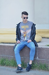 Vladimir Tsymbalyuk - New Balance Sneakers, Pull & Bear Jeans, Pull & Bear Outerweat, Royalculture T Shirt - Nirvana soul