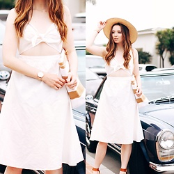 The Indie Girl Fleming - Tobi Robyn Linen Midi Dress - TO MARKET WITH TOBI