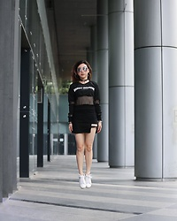 Fenny Yolanda - H&M Sunglasses, Cotton On Sneakers - Levitate