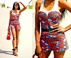 ASSITAN T. - H&M Playsuit - Tropical prints