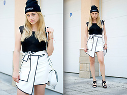 Martina Manolcheva - Gosha Rubchinskiy Hat, Zara Top, Rosegal Skirt, Michel Bag, Michel Shoes - Хардкор