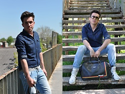 Pawel - Levi's® Denim Shirt, No Name Jeans, Hugo Boss Sneakers Orange, Vintage Eyewear, Shell Vintage Bag - Total jeans!