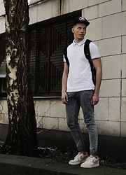 Alex Boyko - Stüssy Snapback, Polo Shirt, Pull & Bear Jeans, Nike Air Force, Gud Backpack - Daily outfit
