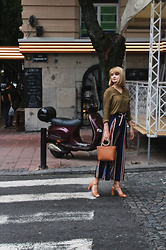 Ana Vukosavljevic - Stradivarius Blouse, Rosegal Pants, Mango Bag, Pink Basis Sandals - Italian Vibes