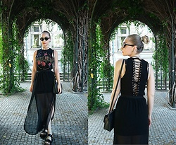 Petra - Stradivarius Top, H&M Maxi Skirt, Bershka Platform Sandals, House Eyelet Bag - Black Is My Happy Color