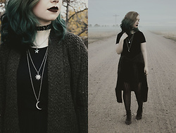 Taryn Knight - Tobi Dress, Forever 21 Cardigan, Asos Necklace And Choker - Witching Hour