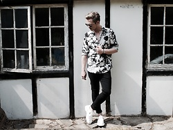 Bradley A - Zara Tie Dye Shirt, Dr. Martens Cut Out Shoes, Christian Dior Silver Mirror Sunglasses - Monochrome