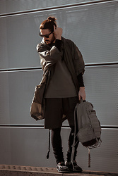 Maik - Ivy Park Parka, Carhartt Shirt, Puma Shorts, Puma Tights, Camper Sandals, Nike Backpack - Urban Explorer