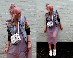 Joanna L - Desigual Denim Jacket, Primark Transparent Dress, Primark Frill Bag, Boohoo Shoes - Exotic jeans