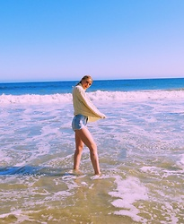 Katie Van Daalen Wetters - Aran Sweaters Direct Turtleneck Sweater, Zara Blue Shorts - Malibu
