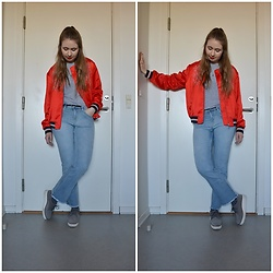 Mucha Lucha - H&M Bomber, Weekday T Shirt, H&M Jeans, Shoe Biz Copenhagen Shoes - Bright red bomber