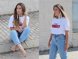 Claudia Villanueva - Sfera Earrings, Stradivarius T Shirt, Pull & Bear Jeans, Rosegal Boots - Everybody should be feminist